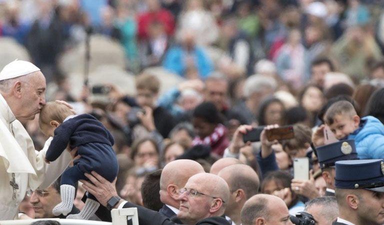 Papa Francisco demanda una respuesta internacional para la crisis en Siria