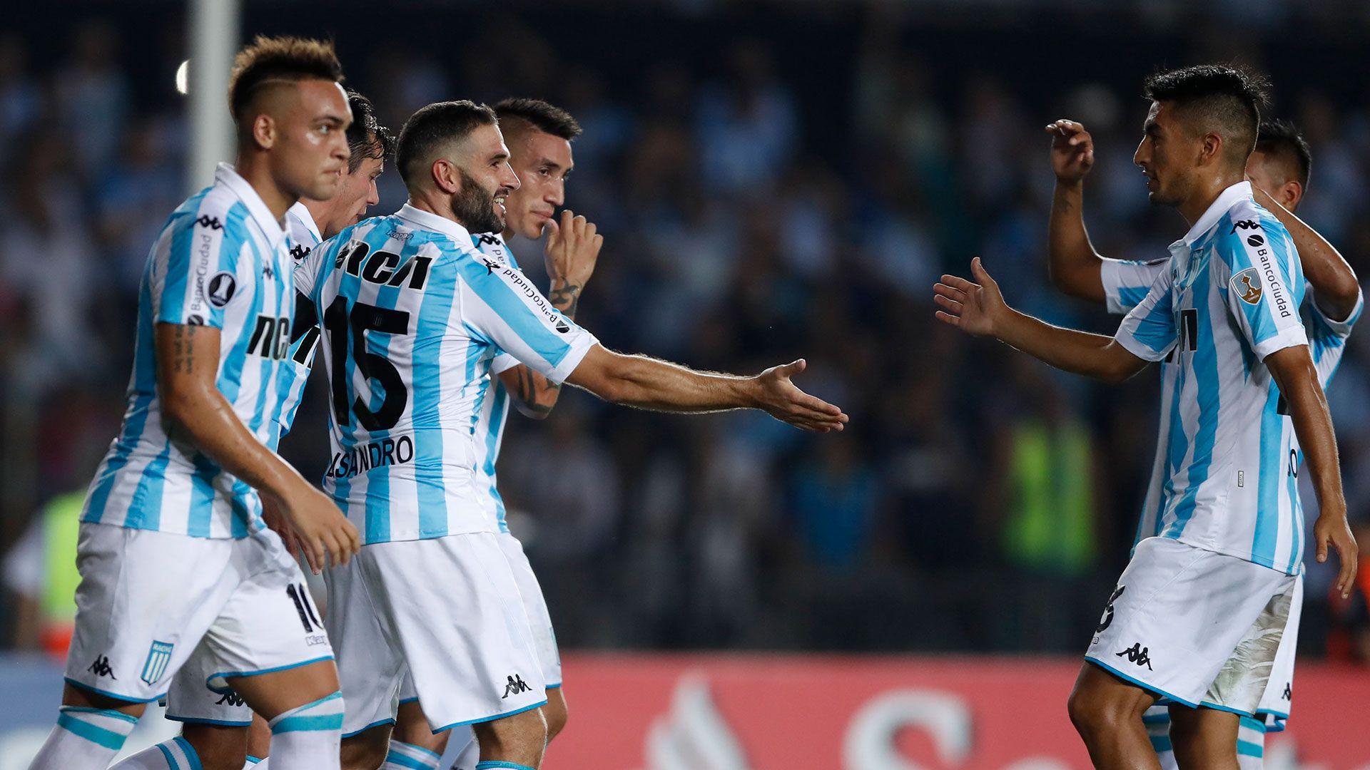 Racing ganó en Rosario por los goles de sus juveniles