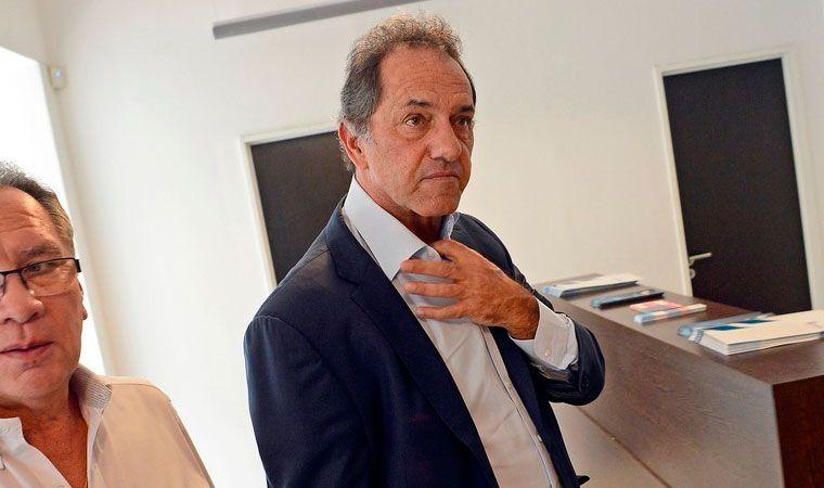 Scioli negó irregularidades en contrataciones durante su gestión