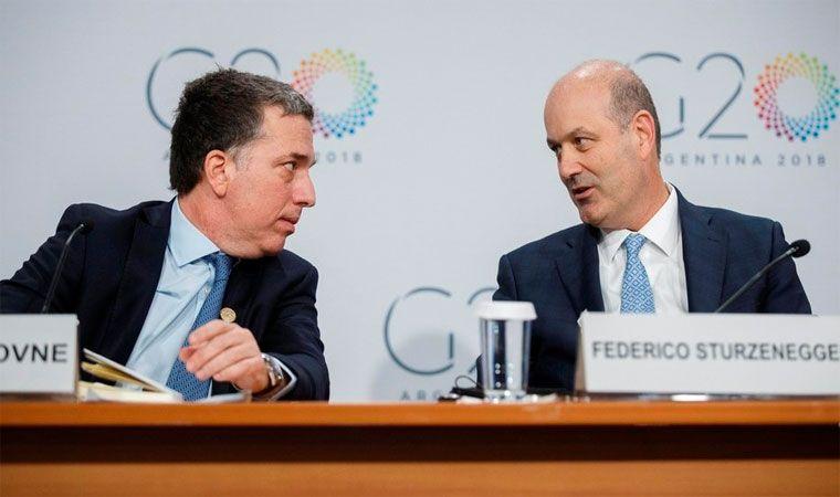 Macri con el equipo económico: