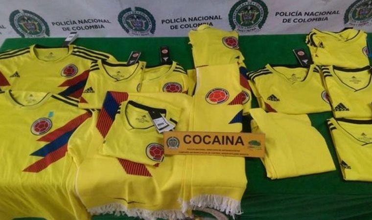 Incautaron 14 camisetas de la selección Colombia impregnadas con cocaína — Insólito