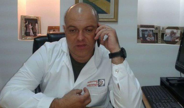 Científicos contra Albino: es falso que virus del SIDA