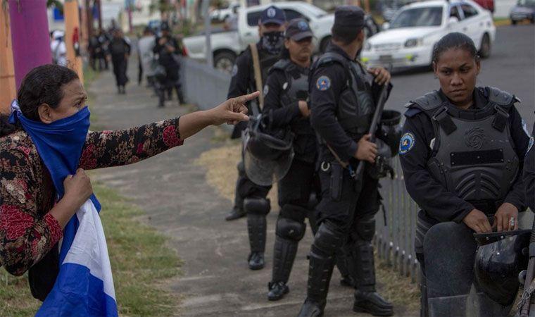 Policía de Nicaragua acusa a manifestantes de actos violentos
