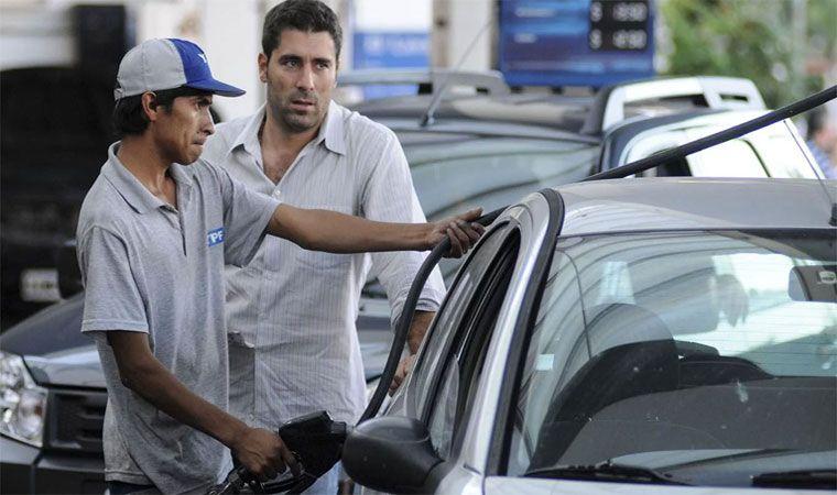 Naftas: el Gobierno publicará precios 'indicativos' en cada provincia