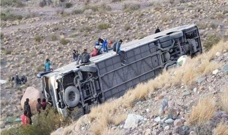 Actualidad: Desbarrancó un colectivo en Mendoza y hay al menos tres muertos