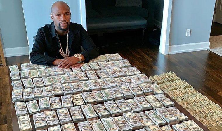 Floyd Mayweather presume sus millones de dólares en redes sociales