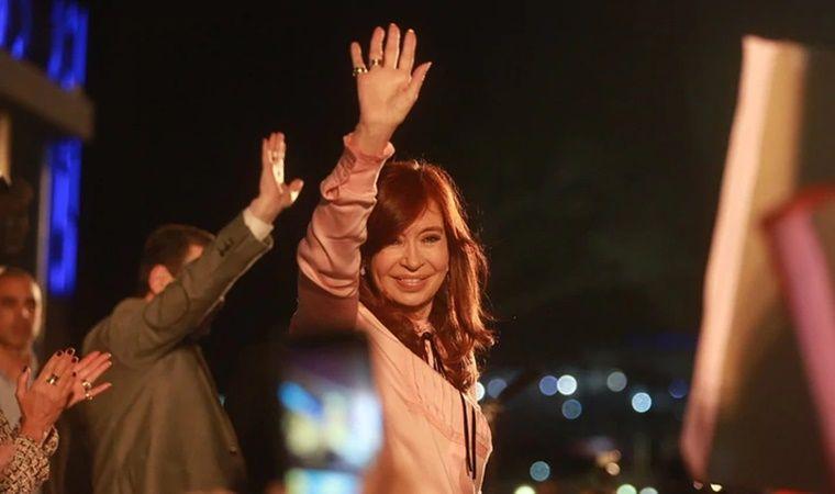Cristina Kirchner criticó al gobierno y denunció