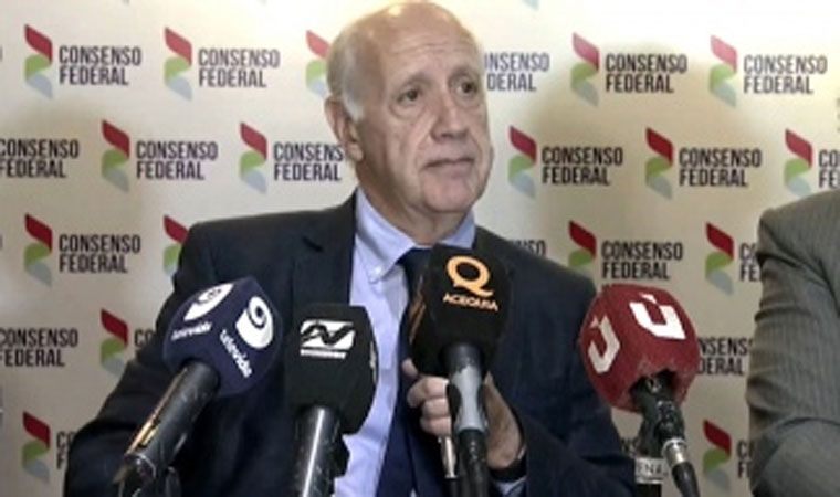 Lavagna propuso implementar un Programa de Emergencia Alimentaria por siete meses