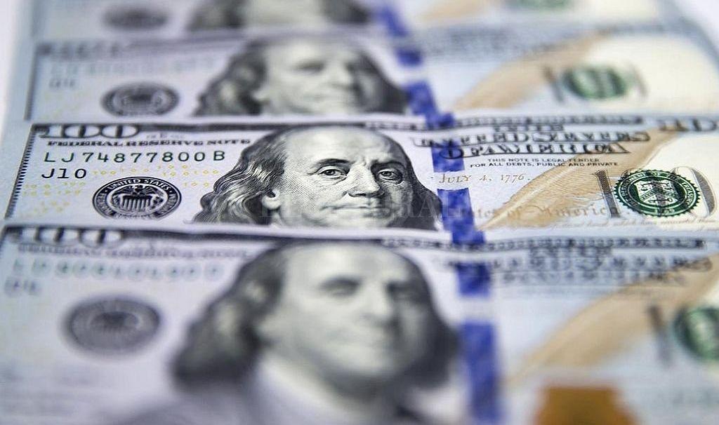 El dólar abre estable a $58,02, tras la primera semana del cepo