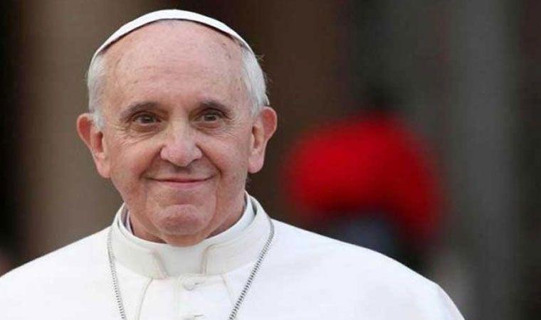 El papa afirma en Milán que la Iglesia siempre necesita ser