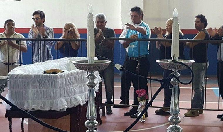 Murió Sebastián — Llora el cuarteto