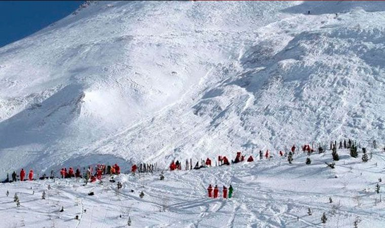 Mueren tres esquiadores en una avalancha en los Alpes franceses