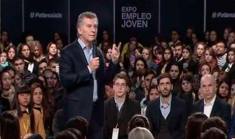 Macri invita a jóvenes a