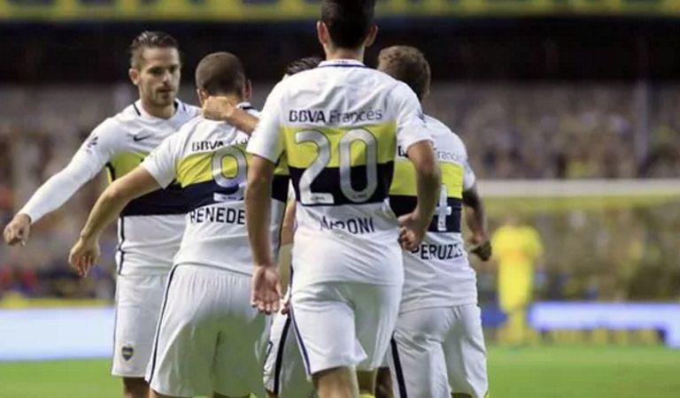 Angelici aprovechó la estadía en Sevilla para vender al goleador de Boca