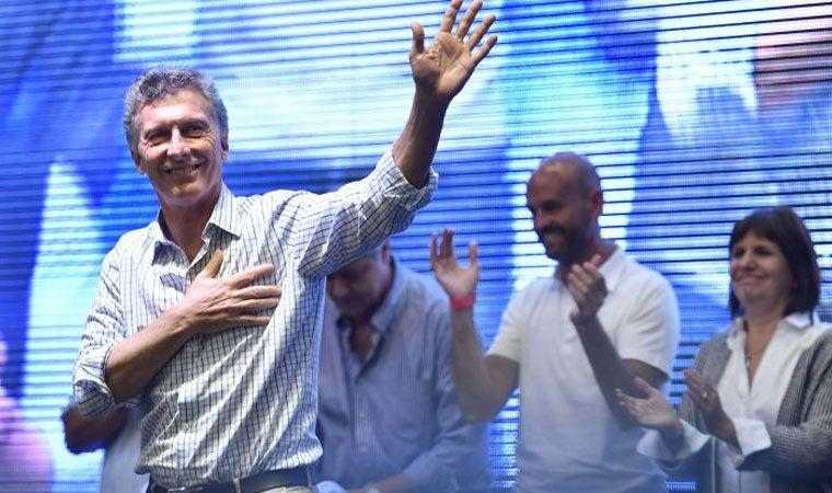 Macri en campaña recibe a periodistas de la farándula