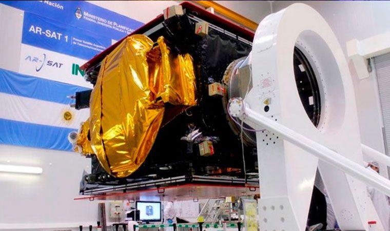 ¿Chau a la soberanía satelital? Denuncian que Macri planea privatizar Arsat