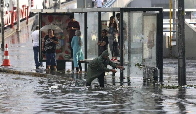 Estambul y una destructiva tormenta de granizo