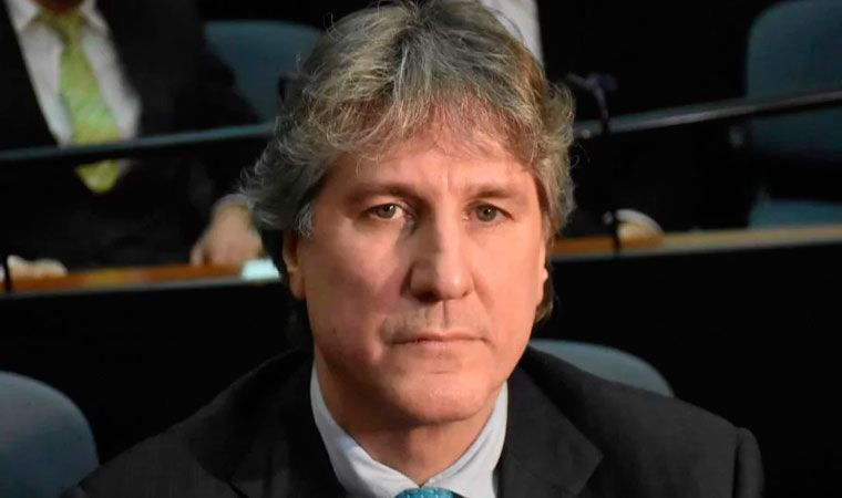 Piden juicio para ex vicepresidente argentino por administración fraudulenta