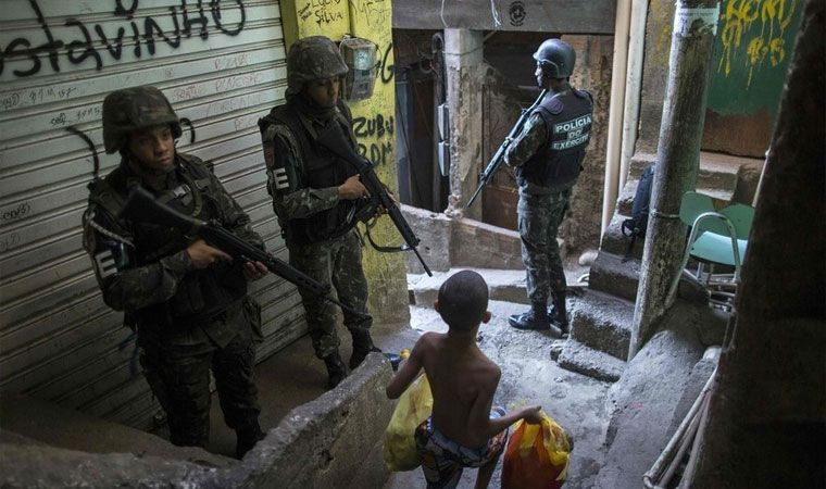 Traficantes protagonizan tiroteo en Río de Janeiro