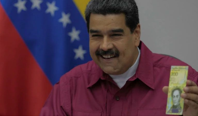 Venezuela en hiperflación revela billete de 100 mil bolívares