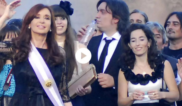Videos: escraches a Cristina Kirchner ya su nuera en Río Gallegos