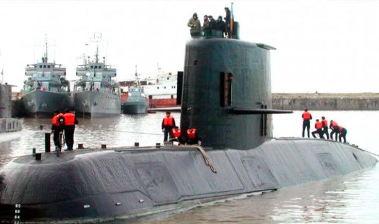 Desaparece submarino argentino, lleva 44 personas a bordo