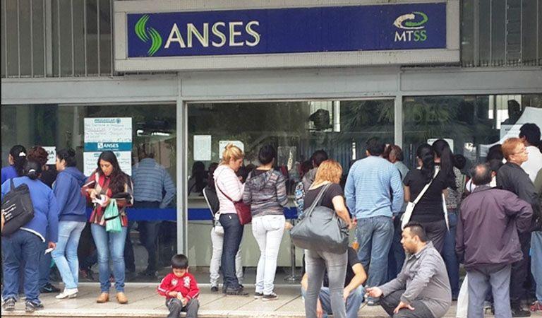 Por el día del trabajador previsional, mañana no abre Anses