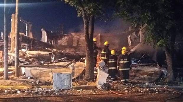 Pilar: Gran explosión destruyó varios locales en Manuel Alberti