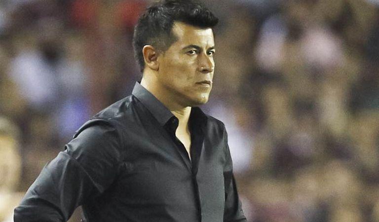 Oficial: Almirón no podrá ser el DT de Las Palmas