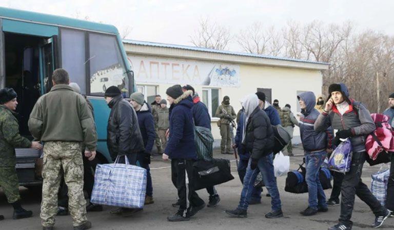 Kiev y rebeldes acuerdan canje de prisioneros