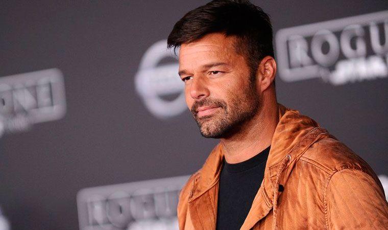 Divertida reacción de periodista que logró entrevistar a Ricky Martin