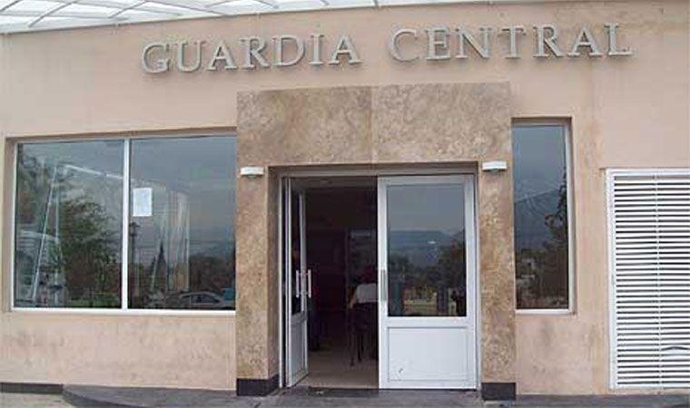 Detienen a toda la cúpula de la Escuela de Policía — La Rioja