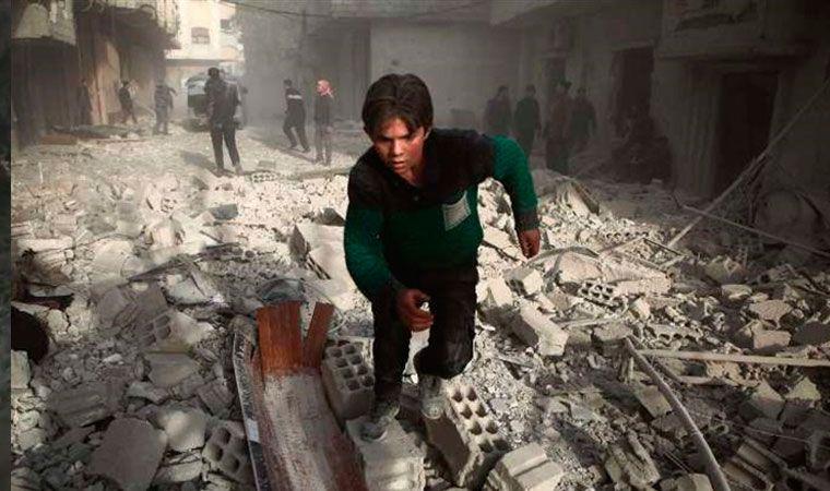 Combatientes kurdos derriban helicóptero turco en ciudad siria de Afrin, según activistas