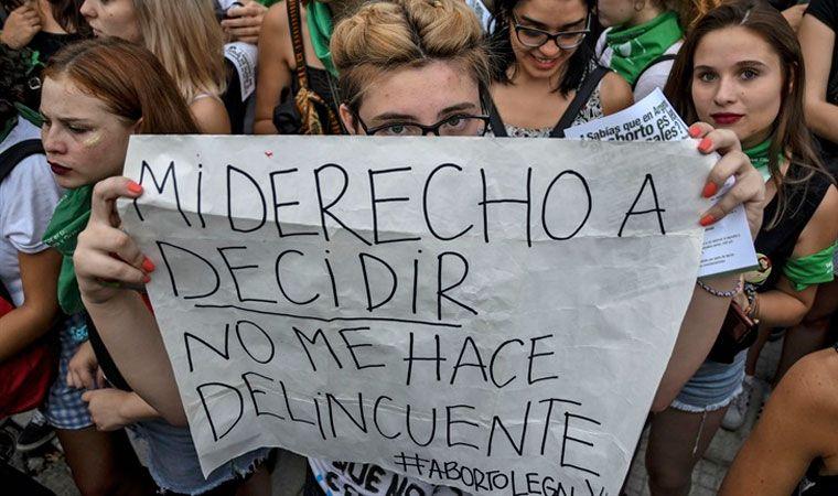 Macri habilitó a sus legisladores a debatir sobre el aborto