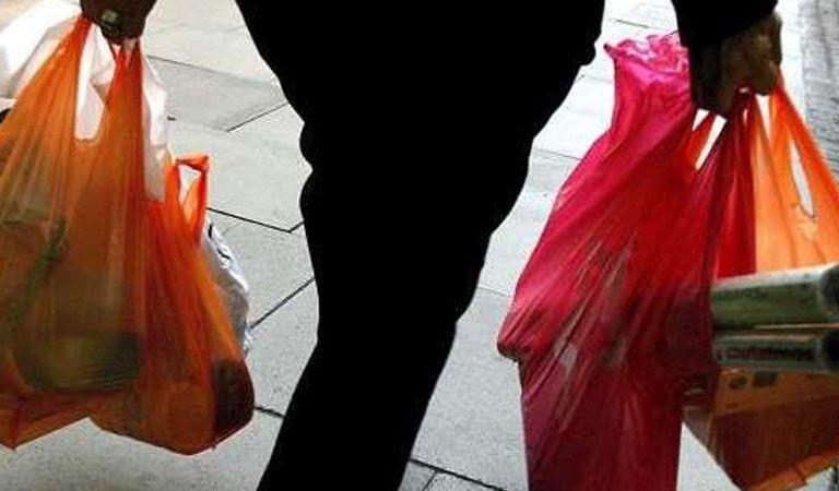 Una mujer fue de compras con el cadáver de su hijo — Horror